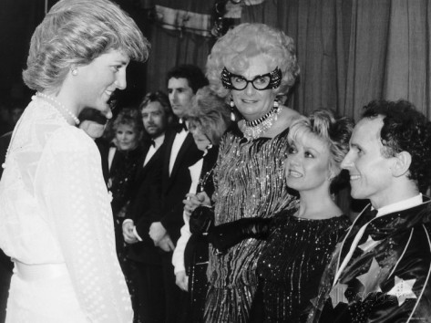 dancer-wayne-sleep-meets-princess-diana-at-palladium-theatre-after-woman-golden-jubilee-concert